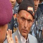 SE A MODA PEGA :Nepalês dá tapa em político e vira herói nacional