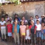 EITCHA VÉIM DA BILÔLA DE AÇUCAR :Conquistador sertanejo vive com três mulheres e nove filhos no mesmo teto no Sertão, com uma renda mensal de R$ 1,2 mil, e declara satisfazer todas elas