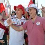 Após vitória, novo prefeito de João Pessoa recebe ligação de Dilma e comemora vitória ao lado de aliados