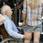 Hábitos que aceleram o envelhecimento: guardar ressentimentos e se isolar são duas delas