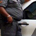 FICAMOS SEM REGIMENTO : Policiais buchudos serão afastados até ficarem nos trinkes