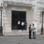 Em dia de protestos Palácio do Governo fecha as portas e aumenta segurança
