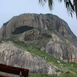 Turista passa mal enquanto fazia rapel na 'Pedra da Boca', no Agreste da PB