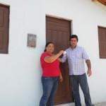 Prefeito Aron entrega as primeiras casas populares