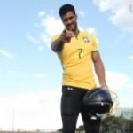 Hulk de Brasília atrai mulheres, fatura alto e já enganou até a CBF