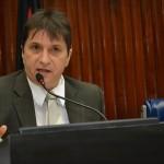 Janduhy diz que governador insiste em desrespeitar autonomia da UEPB e promete derrubar veto