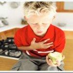 Menino de 3 anos morre ao engasgar, em JP; Veja como proceder em casos de engasgo