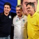 Ainda indefinido, Joãos Gonçalves posa ao lado de Cássio em foto