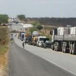 PRF orienta motoristas a evitarem os 6 pontos da BR bloqueados por protestos do MST