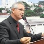LA SE VAI MEU RELACIONAMENTO SÉRIO : Vereador sugere que gays sejam isolados em 'ilhas por 50 anos'