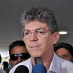 Ricardo volta a questionar inspeção a viaduto e exige respeito de ministro
