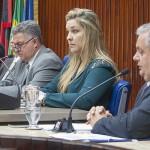 CAMILA COBRA POSTURA DÚBIA DE RC COM TEMER E LULA