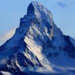 Fósseis, mortos e avião: surpresas encontradas com o derretimento das geleiras