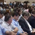 DE MELÉ SOLTO : Deputado dorme em solenidade de Ricardo