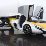Carro que voa é apresentado ao público e começa a ser vendido em 2