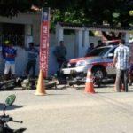 E ATENÇÃO ! GRAVE ACIDENTE DE MOTO FRENTE A COMPANHIA DE POLICIA MILITAR