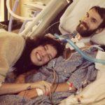 Mulher cuida de marido com doença degenerativa e prova de amor conquista web