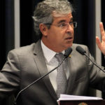 GRAMPO MOSTRA SENADOR DO PT CHAMANDO SÉRGIO MORO E DELEGADOS DA PF DE 'BANDIDOS'