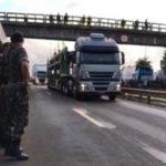 Exército atira em carro, mata um e fere outro