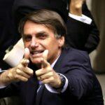"""Multidão recepciona Bolsonaro em Campina Grande: """"queremos Bolsonaro presidente"""", gritam"""