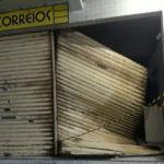Assaltantes arrombam agência dos Correios em Mogeiro.