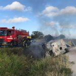 Caminhoneiro morre carbonizado após veículo tombar na BR-230 em Ingá, na PB