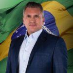 """Julian Lemos rebate Ricardo: """"O povo não é seu comissionado no Estado para viver debaixo da sua chibata! Bolsonaro é mito sim"""""""
