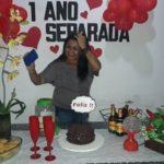 FOI FESTÃO : Feliz ! Mulher faz festa de aniversário para comemorar separação