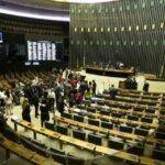 62 deputados foram eleitos sem verba de partidos