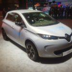 Renault Zoe, modelo movido apenas a eletricidade, chega por R$ 149 mil