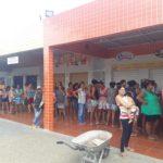 É DANDO QUE SE RECEBE : Escola de Bombeiros Civis arrecadam e doam alimentos no Ingá
