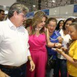 João Azevêdo e primeira-dama visitam 29º Salão de Artesanato da Paraíba