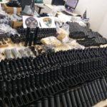 Polícia encontra 117 fuzis em operação para prender suspeitos de matar Marielle