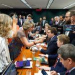 NO TAPETÃO ESCORREGADIO : Oposição vai tentar barrar reforma da Previdência no STF