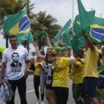 Sem Bolsonaro, apoiadores vão às ruas em defesa do governo e contra o centrão