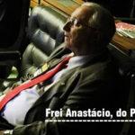 Interessadíssimo, deputado paraibano cai no sono em sessão que trata da Reforma da Previdência.