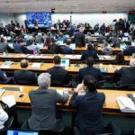 Comissão sem comissão rejeita pedidos de adiamento e deve votar reforma nesta quinta-feira