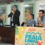NA PBTUR: João Azevêdo evita falar em crise no PSB e desconversa sobre futuro político