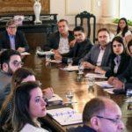 João Azevêdo discute projetos de habitação e saneamento com dirigentes da Caixa
