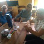 AMIGOS SE DESPEDEM EMOCIONADOS DO MEDICO DR GRANVILLE NA SENZALA