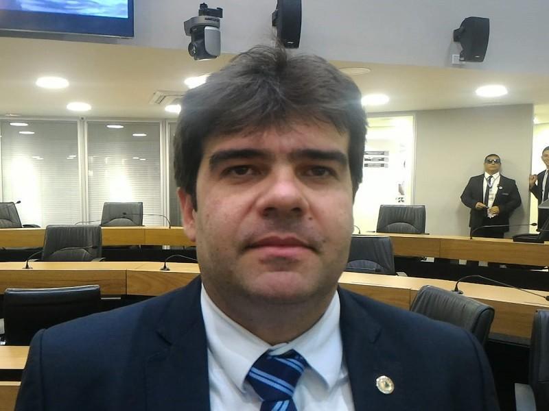 João Azevêdo faz outro estrago na bancada de oposição na ALPB