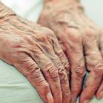 Ela tem 96 anos e foi rejeitada pelo plano de saúde após pagar R$ 2.500 por 10 anos