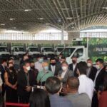João reúne 'água e óleo' na entrega de caminhões e equipamentos para agricultura familiar